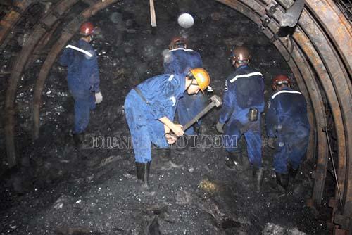 Máy nén khí Osaka được ứng dụng nhiều ngành trong đó có khai thác than