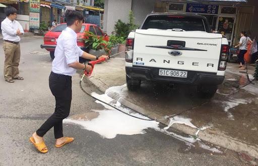 Bọt tuyết không đủ làm sạch xe